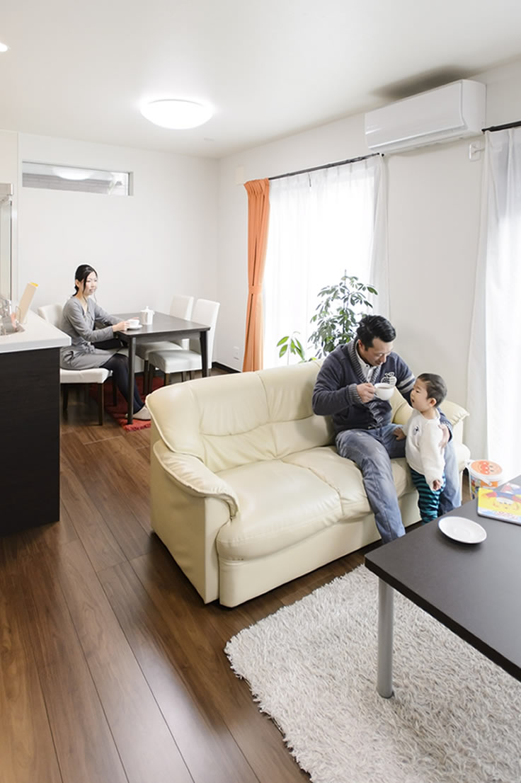 埼玉の実例・外観デザインに魅了され、壁紙や収納にこだわった家